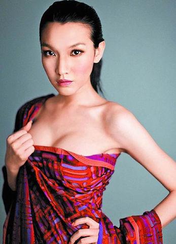 台湾名模刘熏爱竟是变性美女