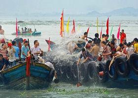 蚶江海上泼水节