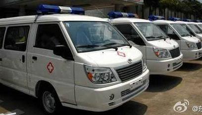 东南汽车捐出10辆救护车