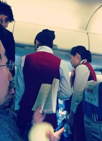 女乘客扇空姐耳光