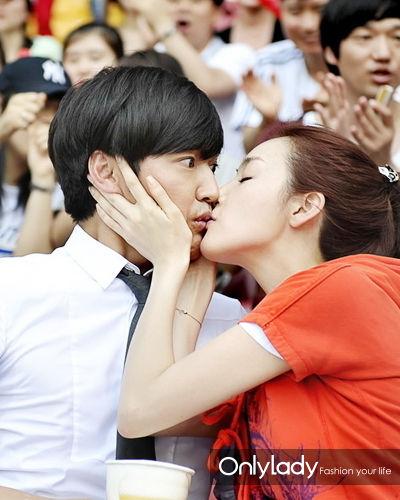 请主动接吻哦!