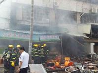 厦门餐馆爆炸致4人亡 老板称不是煤气爆炸