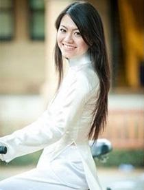越南:传统服饰奥黛长袍