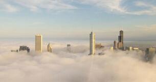 300米高空拍高楼直插云雾