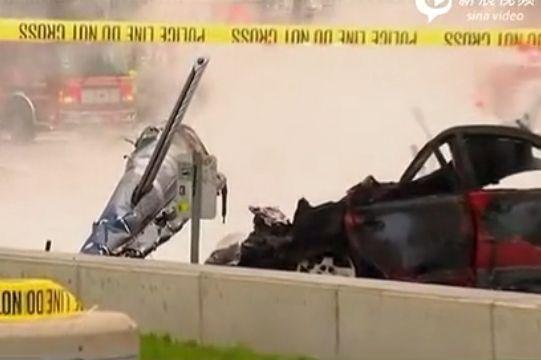 实拍西雅图直升机坠毁 砸中两辆汽车