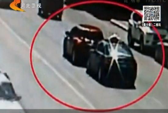 监拍出租车六次疯狂追撞怀胎五月女车主