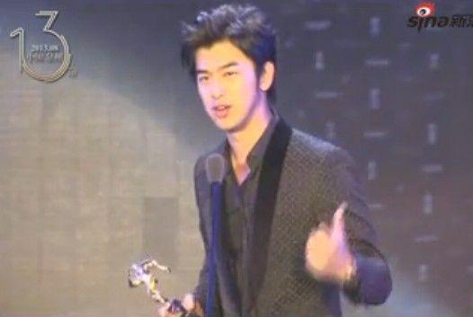 视频:陈柏霖帅气亮相 获观众票选最受瞩目表现
